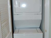 1024 River Crossing washer/dryer