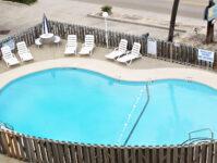 23 - 8.27.19 - Pool - Beach Master 305