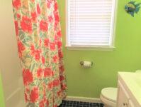 7 - Full Bathroom - Cricket Cottage - May 2021