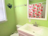 8 - Full Bathroom - Cricket Cottage - May 2021