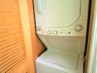 9 - Washer & Dryer - Cricket Cottage - May 2021